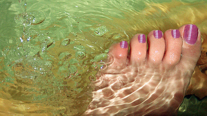 Bain de pied : les recettes de Michel Pierre