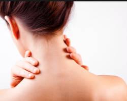 Le massage de la nuque pour se réveiller